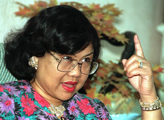 Malaysian International Trade and Industry Minister Rafidah Aziz gestures during an interview in Kua..