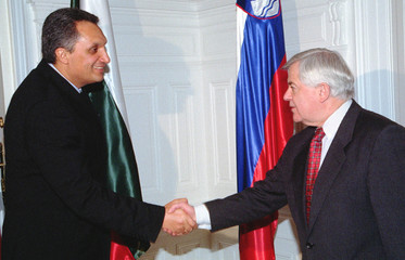 BULGARIAN PRIME MINISTER KOSTOV VISITS SLOVENIA.