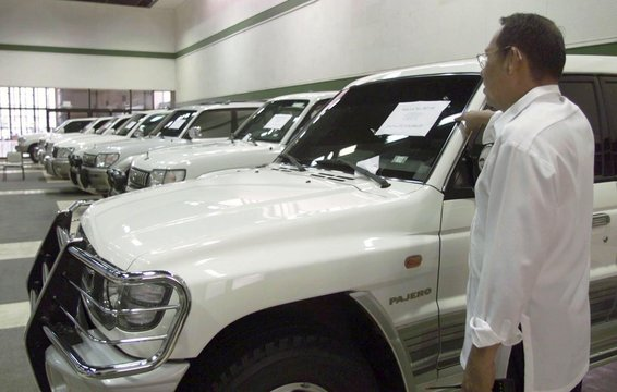 BIDDING OPENS FOR 10 SMUGGLED LUXURY CARS IN MANILA.