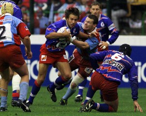 STADE FRANCAIS VS BOURGOIN ACTION IN FRENCH RUGBY UNION FINAL.