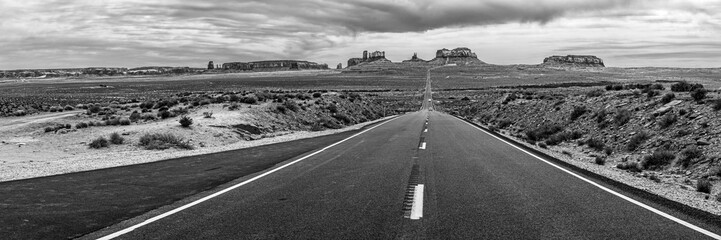 Road into Monument Valley Tribal Park in Arizona