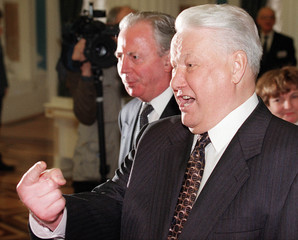 RUSSIAN PRESIDENT YELTSIN TELLS CLINTON HANDS OFF KOSOVO.
