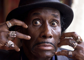 SCREAMING JAY HAWKINS GRIMACES AT GUINNESS BLUES FESTIVAL.