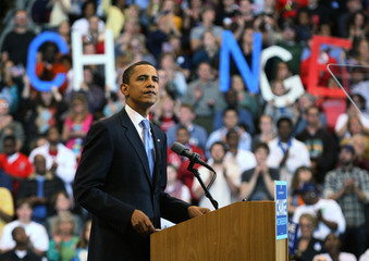 US Democratic presidential candidate Obama pauses while addressing supporters in St. Paul, Minnesota