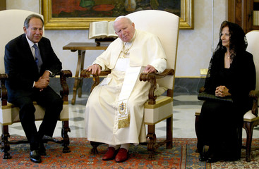 POPE JOHN PAUL II MEETS LEBANESE PRESIDENT LAHOUD AND HIS WIFE DURING A PRIVATE AUDIENCE AT VATICAN.