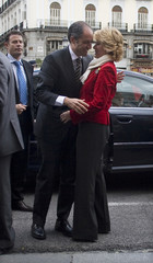 Madrid's regional President Aguirre greets her Valencian counterpart Camps in Madrid