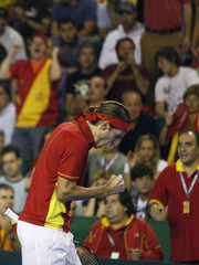 Spain's Lopez celebrates after winning a Davis Cup World Group tennis final doubles match in Mar del Plata