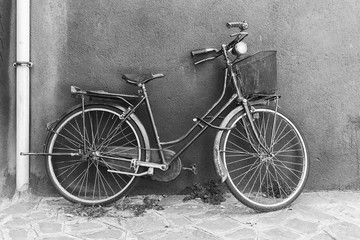 Old bicycle in black and white