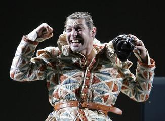 """Actor Bloeb performs during a dress rehearsal of Turrini's play """"Der Diener zweier Herren"""" on stage of Vienna's Theater in der Josefstadt"""