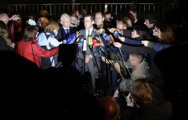 State Premier of Hesse Koch, German Economy Minister zu Guttenberg and German Finance Minister Steinbrueck address media in Berlin
