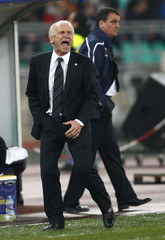 Ireland's coach Trapattoni reacts during 2010 World Cup qualifying soccer match against Italy in Bari