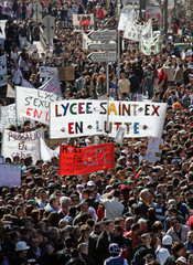 French students demonstrate against the CPE in Marseille
