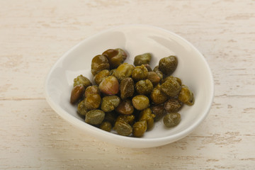 Pickled capers