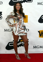 ASHANTI ARRIVES FOR VH1 DIVAS SHOW IN LAS VEGAS.