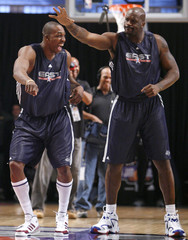 Heat's O'Neal dances with Magic's Howard during the 2007 NBA All-Star eastern conference practice in Las Vegas