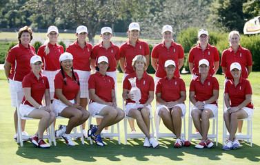 US Solheim Cup team members pose for pictures during team pictures for 2009 Solheim Cup golf tournament in Sugar Grove