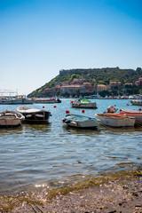 Dans le port de Porto Ercole en Toscane