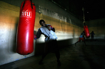 To match feature SPORT BOXING SAFRICA