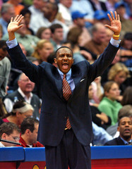 Timberwolves coach Casey shouts to team in Minneapolis