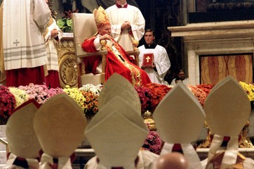 FILE PHOTO OF BISHOPS IN FRONT OF POPE JOHN PAUL II.