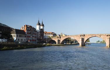 Das Foto zeigt die Carl-Theodor Brücke in Heidelberg
