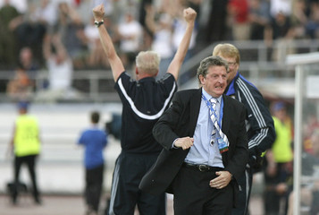 Finland's head coach Hodgson reacts during their Euro 2008 Group A qualifying soccer match against Belgium at the Olympic stadium in Helsinki