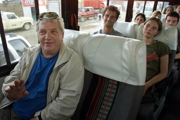 FOREIGN TOURISTS ARRIVE IN LA PAZ AFTER BEING TRAPPED IN ANDEANVILLAGE.