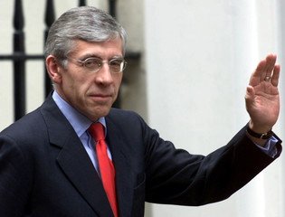 BRITAIN'S HOME SECRETARY STRAW ARRIVES AT DOWNING STREET LONDON.