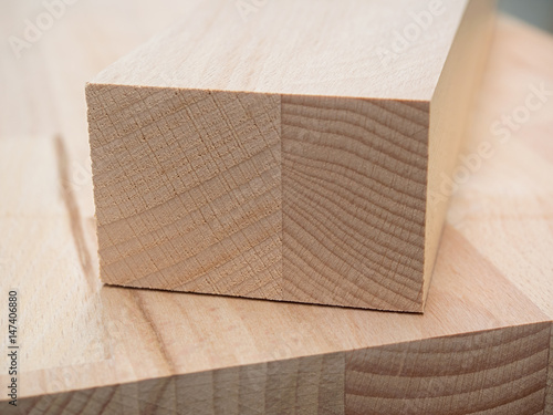 holz tischler m belbau kantholz leimholz stockfotos und lizenzfreie bilder auf fotolia. Black Bedroom Furniture Sets. Home Design Ideas