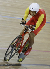 China's Zheng Yuanchao completes in the Men's Team Sprit (LC1-4 CP3-4) final race against Britain during the Beijing 2008 Paralympic Games
