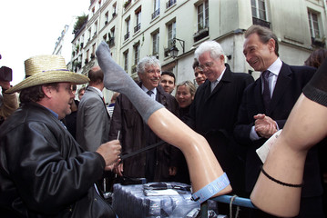 FRENCH PRIME MINISTER AND SOCIALIST PARTY PRESIDENTIAL CANDIDATE LIONELJOSPIN VISITS MARKET WITH ...