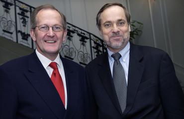 SWISS FOREIGN MINISTER JOSEPH DEISS GREETS NORWEGIAN COUNTERPART JANPETERSEN IN BERNE.