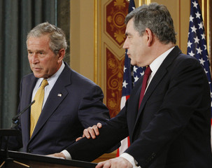 U.S. President Bush and British Prime Minister Brown during news conference in London