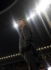 Bayern Munich's Dutch coach Louis Van Gaal waits of the start of his team's Champions League group A soccer match against Juventus in Munich