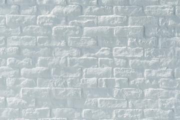 白く塗装されたブロックの壁