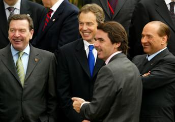 GERMAN CHANCELLOR SCHROEDER, BRITISH PM BLAIR, SPANISH PM AZNAR ANDITALIAN PM BERLUSCONI SMILE ...