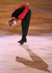 Canada's Buttle bows after winning men's free skating programme at World figure Skating Championships in Gothenburg