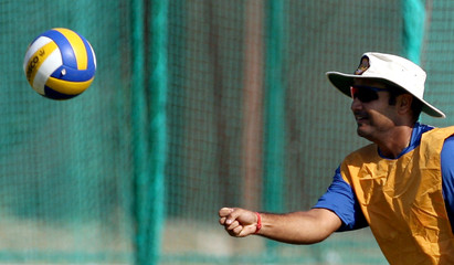 India's Sehwag plays game of ball during training session in Jaipur