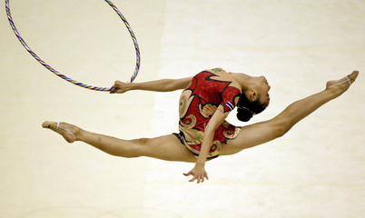 THAILANDS SRIDEE COMPETES IN HOOP RHYTHMIC GYMNASTICS FINAL AT 22ND SEAGAMES IN HANOI.