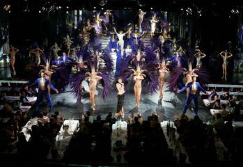 - PHOTO TAKEN 17JAN05 - France's world's most prestigious cabaret Lido's dancers perform during the ..