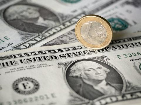 Euro / Dollar Abhänigkeit