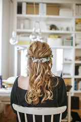 bridal hairstyle from behind