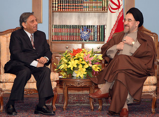 Indian Oil Minister Aiyar talks to Iranian President Khatami in Tehran.