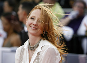 """Anne Heche poses at the premiere of the documentary """"This Is It"""" in Los Angeles"""