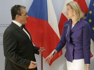 Austrian Foreign Minister Plassnik talks to her counterpart from Czech Republik Schwarzenberg in Vienna