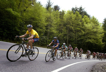 LANCE ARMSTRONG POWERS THROUGH THE MOUNTAINS DURING THE TOUR DE GEORGIA.