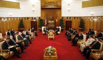 US President Bush meets with Vietnam's Prime Minister Nguyen in Hanoi