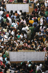 Thousands of jobseekers flocked to a job fair organised by the Paranaque City government in Metro Manila
