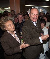 FRENCH PRESIDENT JACQUES CHIRAC AND HIS WIFE BERNADETTE WAVE ARRIVE ATSAINT QUENTIN HOSPITAL.