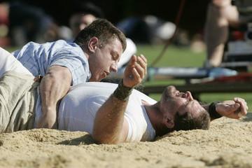 Abderhalden beats Fausch during the Federal Alpine Wrestling Festival in Aarau